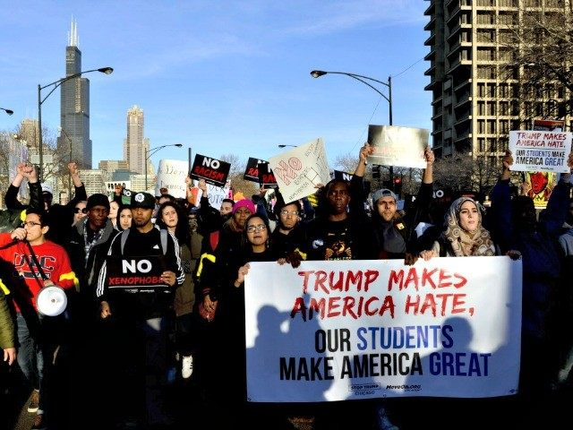 protesters-chicago-trump-rally-nbc-5-640x480