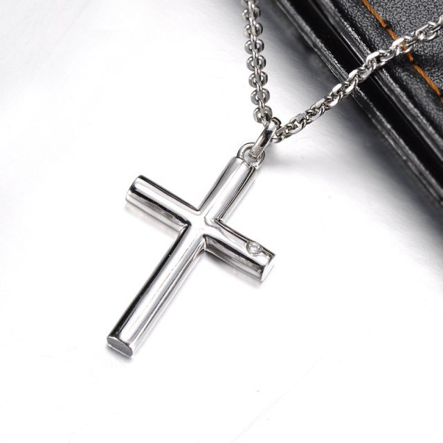 diamond_cylinder_cross_couple_necklaces_02